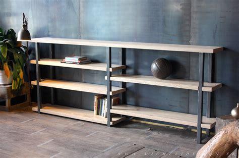 cuisine contemporaine en bois massif etagère et bibliothèque de style industriel micheli design