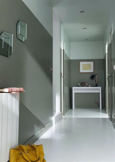 couleur les nouvelles gammes de peinture castorama halls d entr 233 e couloir blanc et gris