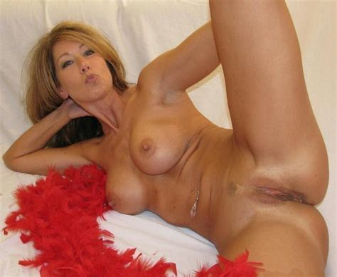 Horny Naked Housewives Image 101660