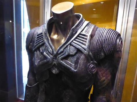 Hollywood Movie Costumes and Props: Idris Elba and Chris ...
