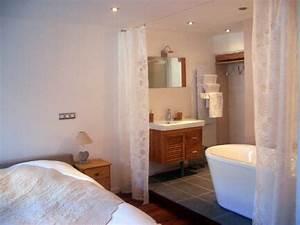Petite Salle De Bain Ouverte Sur Chambre : salle de bain dans petite chambre zy53 jornalagora ~ Melissatoandfro.com Idées de Décoration