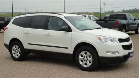 chevrolet traverse  review cars specifications review