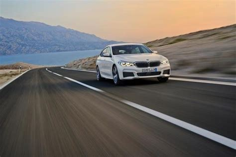 Small And Midsize Luxury Car Sales In Canada
