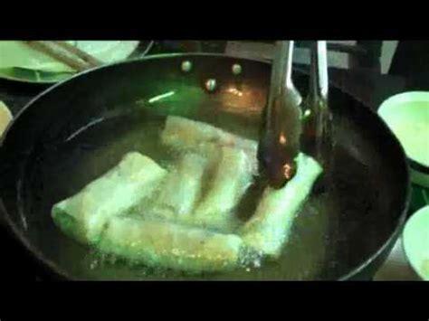 cuisiner des nems recette des nems vietnamiens au crabe et aux crevettes doovi