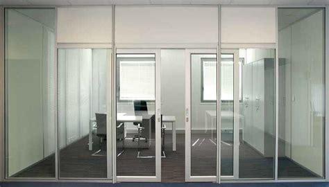 bureau bois metal les aménagements portes pour cloisons de bureau espace
