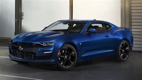 2019 Chevy Camaro Brings Out Its Menacing Side