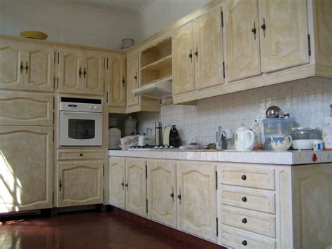 degraisser meubles cuisine bois vernis peinture patine et vernis ont transform 233 la cuisine photo de 002 les meubles peints une