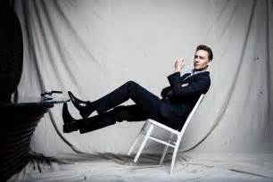 tom hiddleston tom hiddleston actor men view suit chair HD
