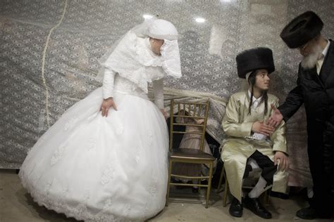 stunning pictures   ultra orthodox jewish wedding