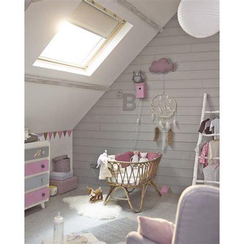 chambre avec lambris pour les couleurs de la chambre enfants