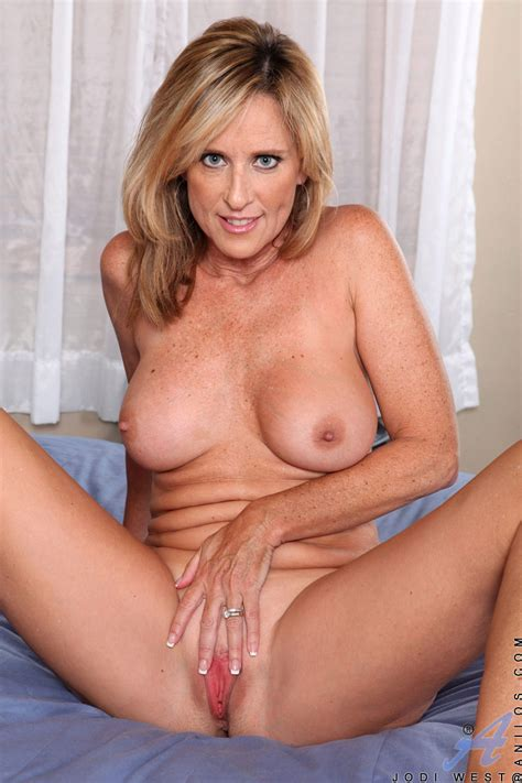 Classiest Mature Women On The Net Featuring