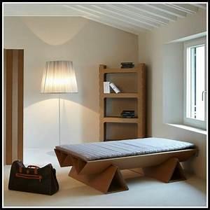 Bett Selber Planen : bett aus pappe selber bauen betten house und dekor galerie 9k1worl1lz ~ Markanthonyermac.com Haus und Dekorationen