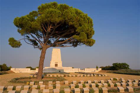 Filelone Pine Cemetery 20130726g  Wikimedia Commons