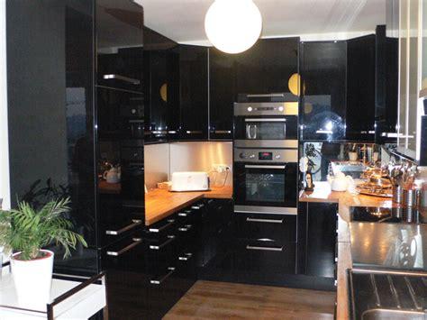 univers cuisine cuisine noir et inox