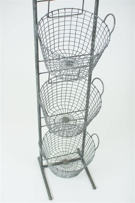 tiered wire basket display