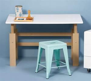 Höhenverstellbarer Schreibtisch Kinder : h henverstellbarer kinder schreibtisch aus buche kids town ~ Lizthompson.info Haus und Dekorationen