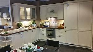 Alno musterkuche landhauskuche ausstellungskuche in for Alno landhausküche