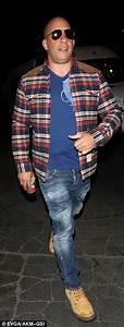 Jenna Dewan Tatum flashes taut abs with husband Channing ...