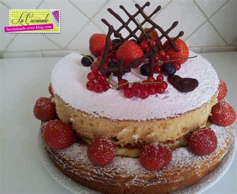 g 226 teau d anniversaire aux fruits rouges la cuisinade