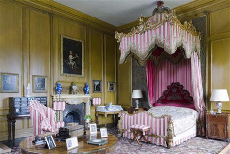 queens bedroom  belton house lincolnshire belton