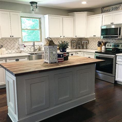 split level kitchen island 1858 best images about farmhouse style on
