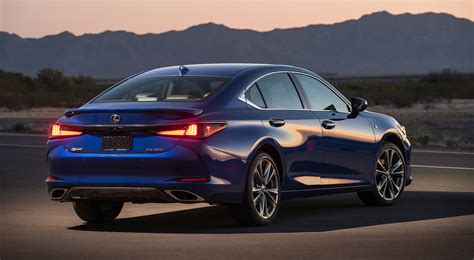 lexus es  redefining midsize luxury northwest