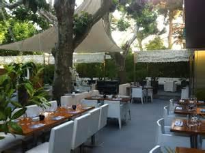 Restaurant New Terrasse Marseille by Am 233 Nagement De La Terrasse Du Restaurant Les 2 Freres 224