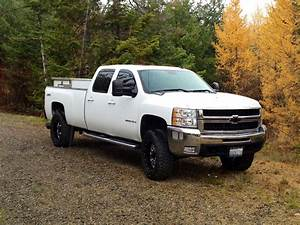 2008 Ltz Duramax 3500  Leveled With 35 U0026 39 S On 20 U0026 39 S  Efi Live  5 Inch Exhaust  Cat Dpf And Egr