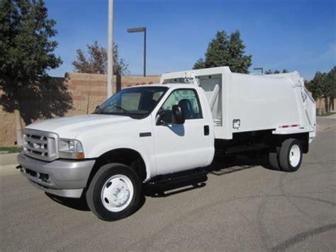 ford   wayne  yard rear loader garbage truck