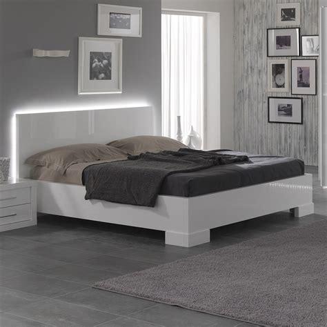 lit blanc laque pas cher lit blanc