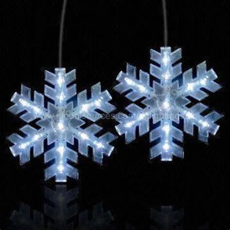 snowflake led hanging light nice decoration to hang up and shine on christmas trees walls