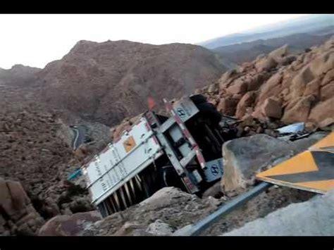 Fatal Accidente En La Carretera De La Rumorosa Youtube