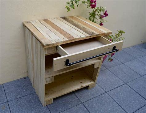 realiser des meubles avec des palettes r 233 aliser un meuble bar en bois de palettes bubu d 233 co