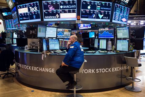 Stocks analysis by zacks investment research covering: Tech Stocks Plunge as Markets Stumble. Happy 2016! | WIRED