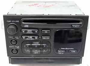 1998-1999 Geo Metro Factory Am  Fm Stereo Cd Player Radio