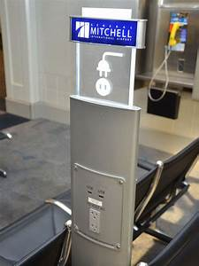Airports add outlets to serve power-parched passengers