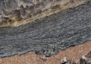 Granit Arbeitsplatten Preise : magma bordeaux strahlende granit arbeitsplatte magma ~ Michelbontemps.com Haus und Dekorationen