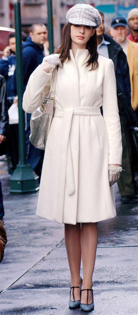 le manteau blanc les  tenues inoubliables du diable