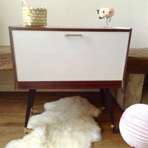 meuble bar epoque   en plaquage laque acajou avec