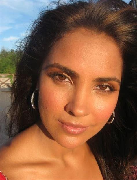 An  Ee  Indian Ee  S  Ee  Makeup Ee    Ee  Blog Ee   Aimb Exclusive Lara Duttas  Ee  Makeup Ee   In The Movie Blue