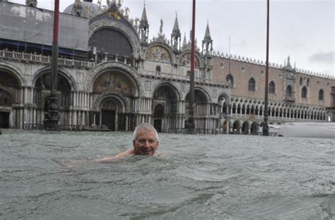 Venice Under Water Photo 1 Pictures Cbs News