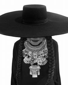 """Michelle Obama Replicates Beyonce's """"Formation"""" To ..."""