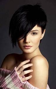 Coupe De Cheveux Femme Courte : coupe courte femme avec frange selon la forme du visage ~ Melissatoandfro.com Idées de Décoration
