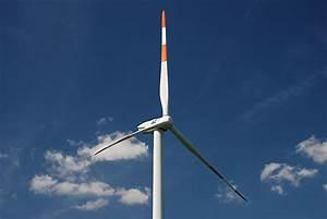 Windrad Stromerzeugung Einfamilienhaus : windrad zur stromerzeugung windenergie foto photo fotos image gallery ~ Orissabook.com Haus und Dekorationen