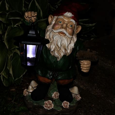 sunnydaze frankie jr the solar led lantern welcome gnome