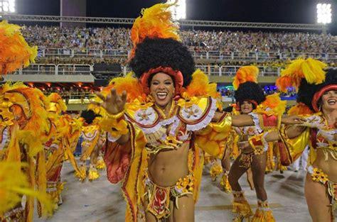 Carnival lights up Rio de Janeiro