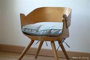 Chaise Enfant Vintage : chaise vintage bois pour enfantautour du dressing ~ Teatrodelosmanantiales.com Idées de Décoration