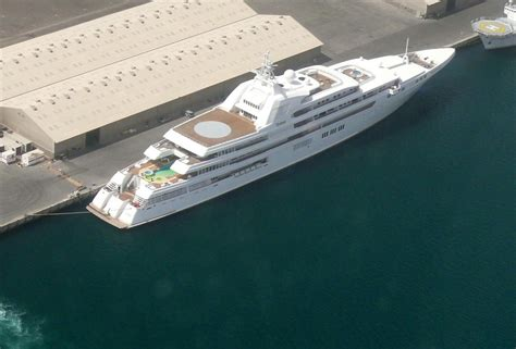 Yacht In Tagalog by Mega Jacht