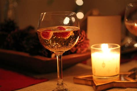 frugal date night ideas creating  romantic tablescape