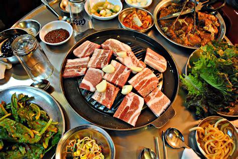 korean dishes korea food foods samgyupsal try sam dish samgyeopsal seoul meal meat bbq must sal gyup pork favorite